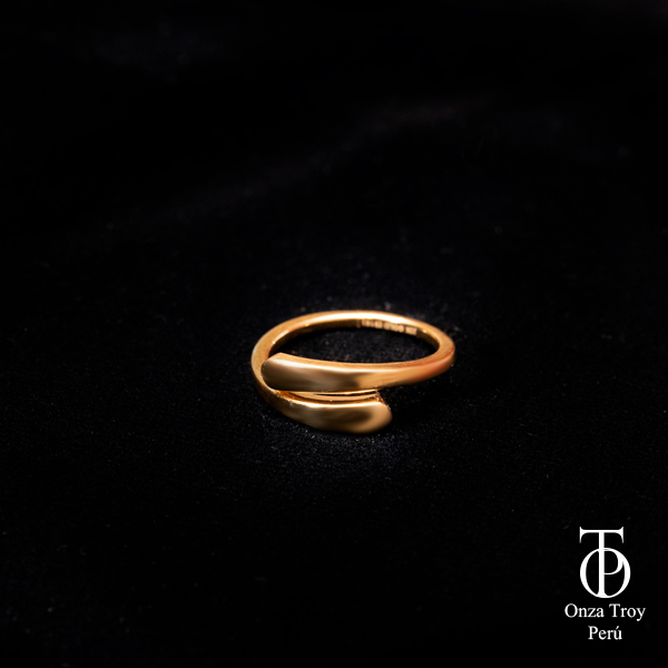 anillo de oro de mujer